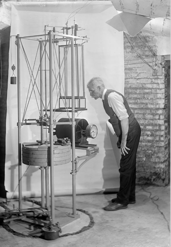 Weed and one of his seismographs, undated. (MSS ****. Digital image from glass plate negative by University of Virginia Digitization Services.)