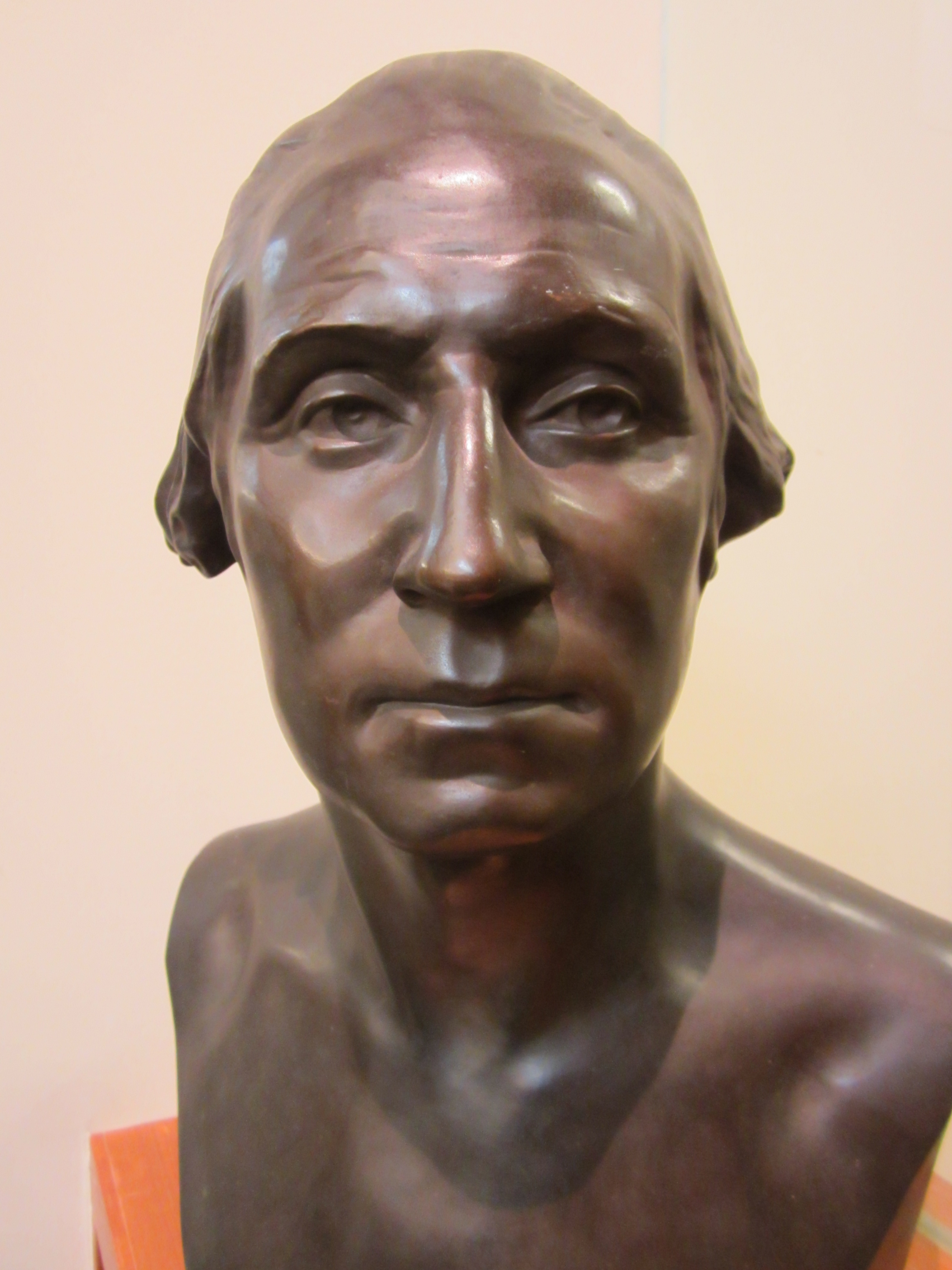 Bust of Washington by Jean Antoine Houdon. (Gift of the Class of 1909. Photograph by Donna Stapley.)
